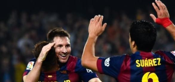 Neymar, Messi y Suárez celebran un gol