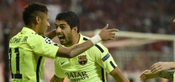 Celebración después de la anotación de Neymar.