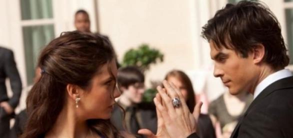 Nina Dobrev e Ian Somerhalder em TVD