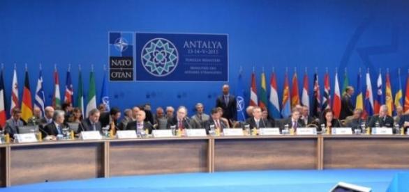 13 mai 2015 sedinta ministrilor de externe NATO