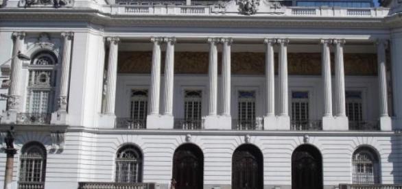 Câmara Municipal do Rio abre vagas para concurso