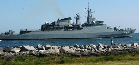 Marinha do Brasil abre concursos