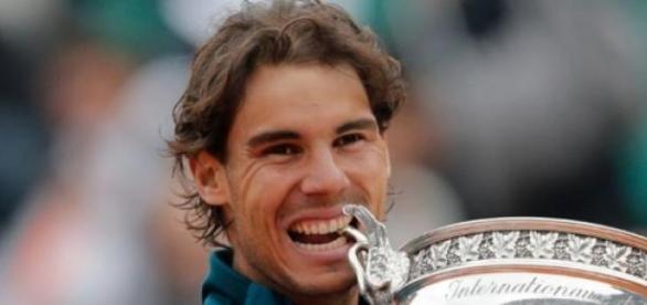 Rafael Nadal remportant Roland Garros.