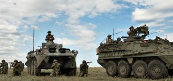 Trupe militare româno-americane într-un exerciţiu
