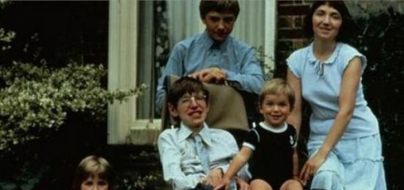 Familia lui Stephen Hawking
