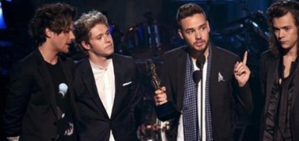 Liam Payne dedicou o prêmio a Zayn Malik