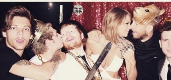 Louis Tomlinson und Niall Horan mit Taylor Swift.