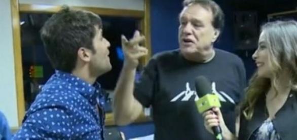 """Bruno Gagliasso ganha """"dura"""" de diretor"""