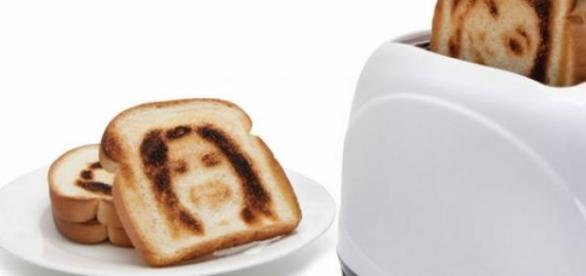 The Selfie Toaster. Reprodução:Hammacher Schlemmer