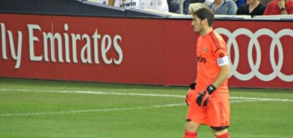 Casillas en un partido con el Real Madrid