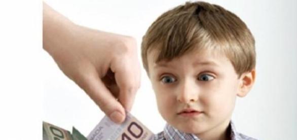 Copii au nevoie de bani mai multi