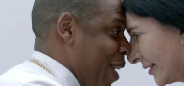 "Jay Z et Marina Abramovic dans ""Picasso Baby""."