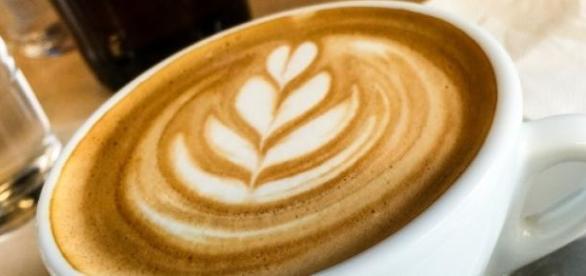 Café diet: com leite desnatado e adoçante