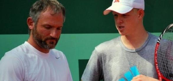 Kyle Edmund reached the final round of qualifying