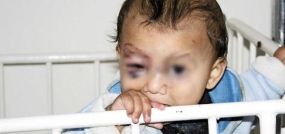 Își dă copiii la orfelinat ca să nu fie uciși