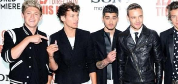 One Direction ainda com Zayn Malik