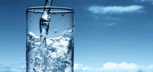 8 vasos al día de agua para tener salud