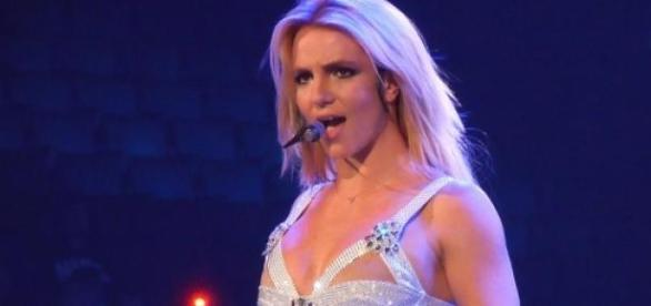 Britney Spears na Femme Fatale Tour (2011)
