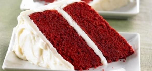 La torta Red Velvet con il suo colore rosso acceso