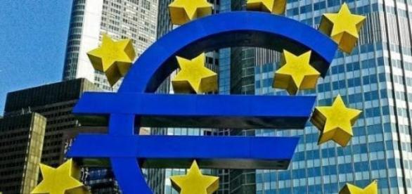 Italia silită să iasă din zona euro?