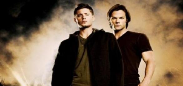 Los hermanos Dean y Sam Winchester