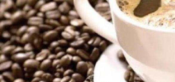 Dimineti sănătoase intr-o cească de cafea