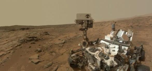 Robot femenino, Marte, descubrimientos