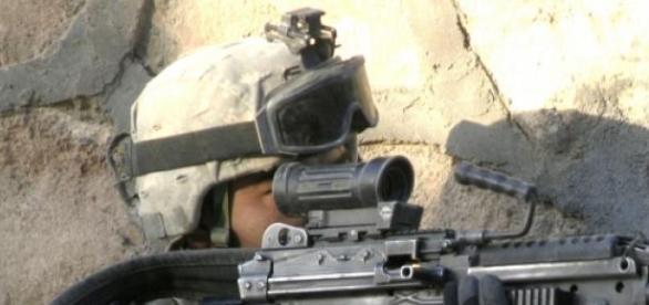 Soldado estadounidense con M249.