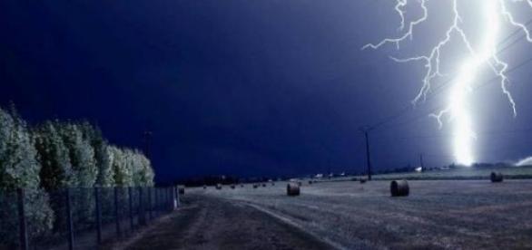 Un băiat de 15 ani a fost ucis de fulger