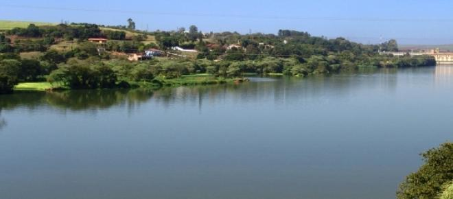 O Rio Tietê compõe, junto com o rio Paraná, a hidrovia Tietê-Paraná.