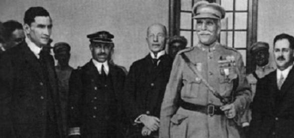 General Gomes da Costa em destaque.