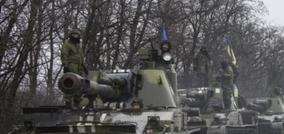 Kolumna czołgów w Donbasie