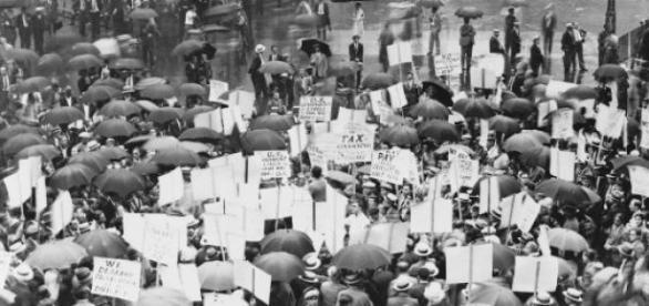 Wikipedia: Protesty przed bankiem  w 1931 r