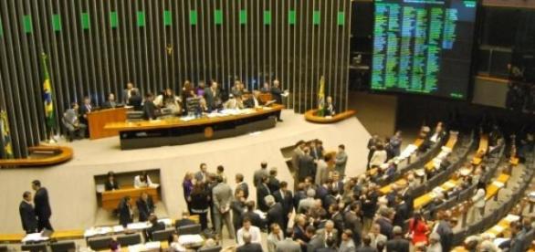 Votação na Câmara dos Deputados teve clima tenso