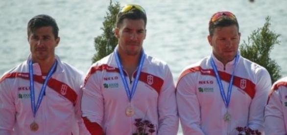Quarteto vice-campeão da Europa de canoagem
