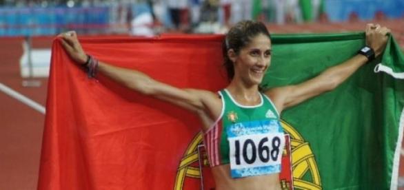Sara Moreira em 2º lugar na Maratona de Praga