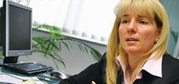 Carmen Radu câștigă cât sute de români la un loc