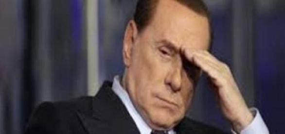 Silvio Berlusconi sbaglia festa elettorale