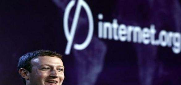 El fundador de Facebook y su proyecto Internet.org