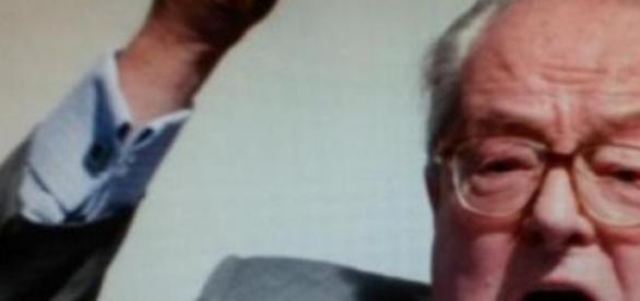 Jean-Marie Le Pen im Streit mit seiner Tochter