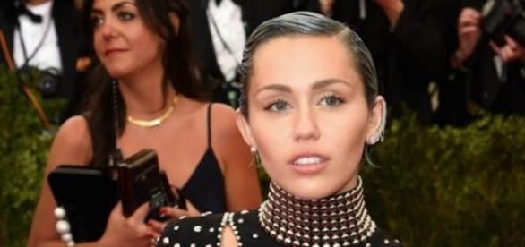 Miley Cyrus foi novamente surpreendente