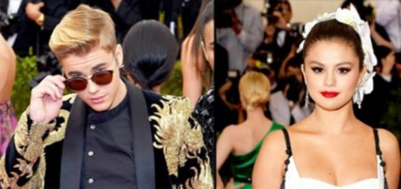 Justin Bieber e Selena Gomez na Gala do Met