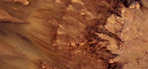 Marte podría tener salmueras temporales