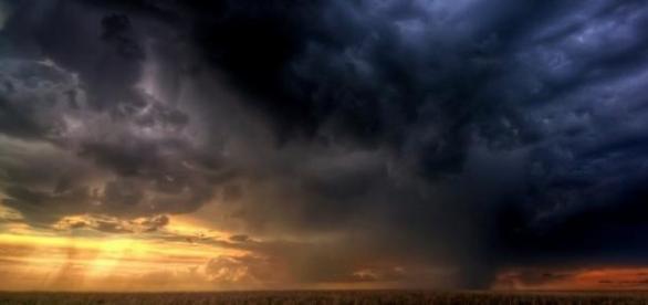 Na wschodzie Polski mogą wystąpić silne burze