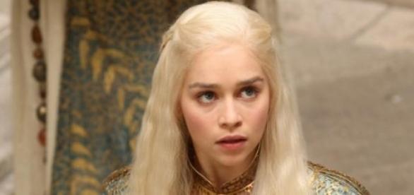 Khaleesi Daenerys Targaryen - Mãe dos Dragões