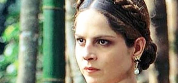 Drica Moraes relembra sucesso de Violante