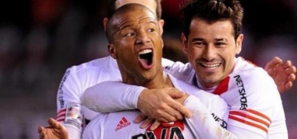 Sánchez en el grito sagrado ante el gol de River