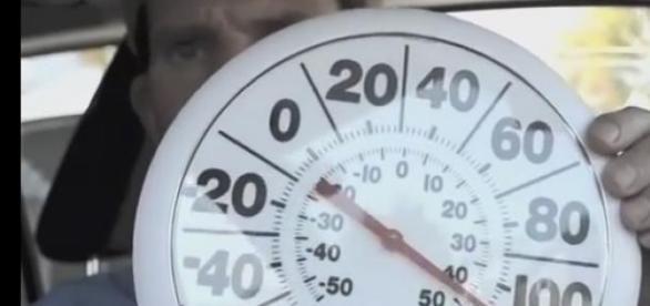 Ernie Ward w trakcie eksperymentu, żródło Youtube