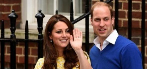Kate e William com a princesa Charlotte
