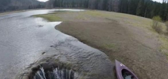 Lacul din Oregon, care dispare
